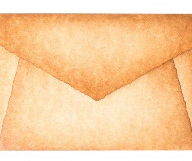 carta-sobre-quemado-vintage-antiguo-aislado_136401-1181